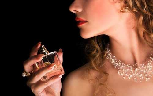 How to Make Perfume Last All Day Photos