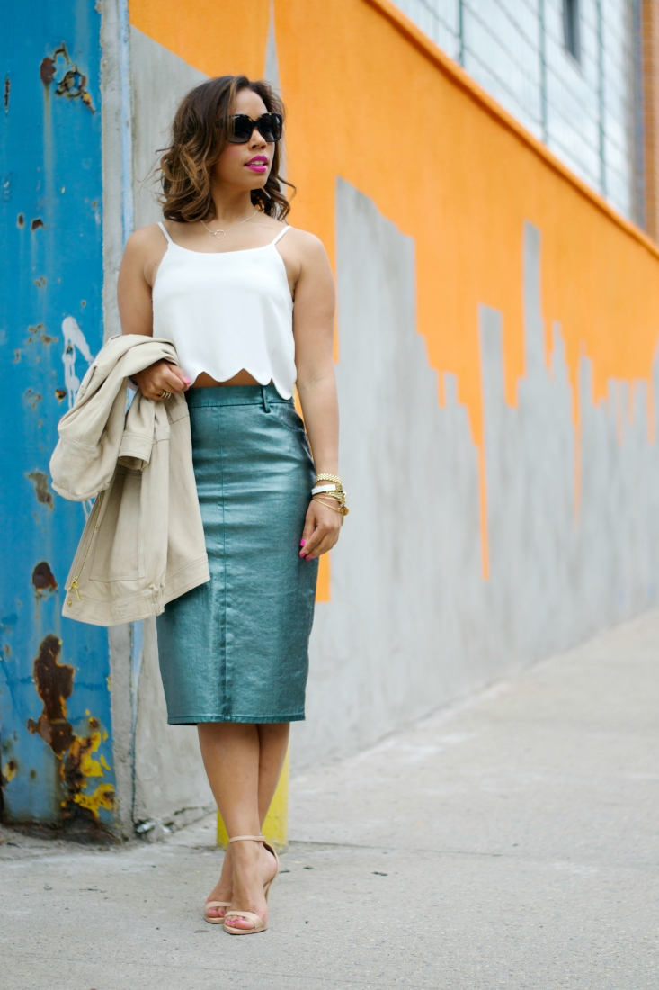 How to Wear a Midi Pencil Skirt