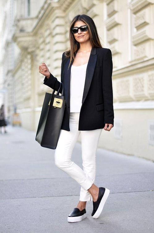 Black skinny jeans white shoes