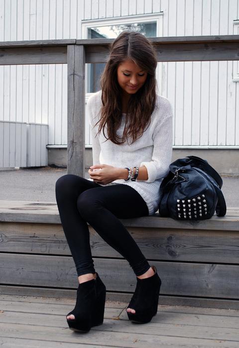 Best Shoes for Leggings