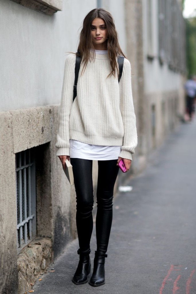 How to Wear Chelsea Boots with Leggings