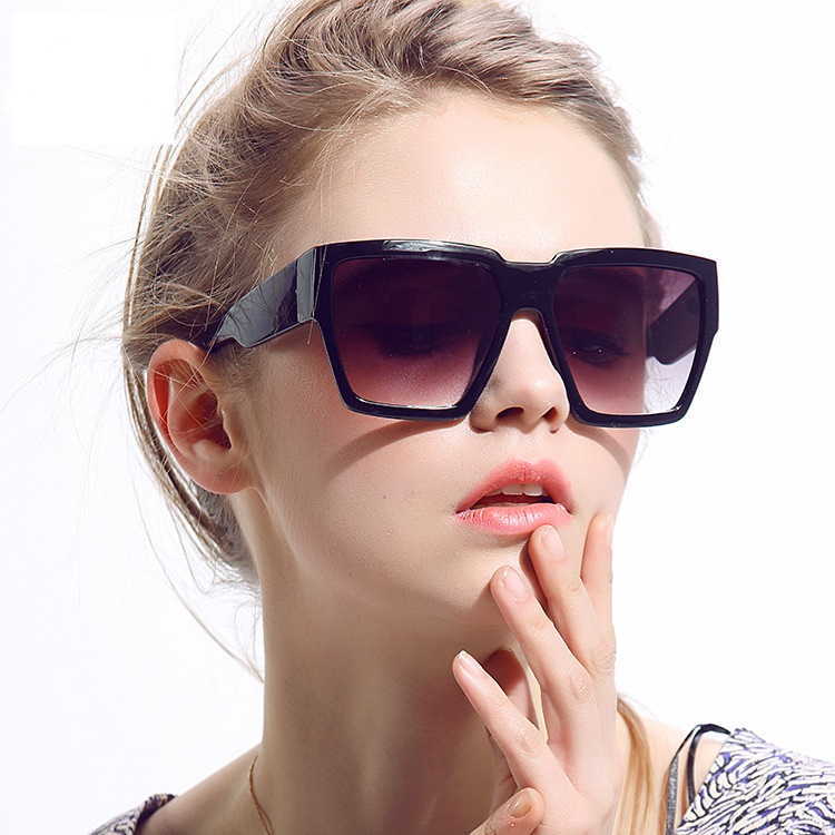 Sunglasses for Round Face Female