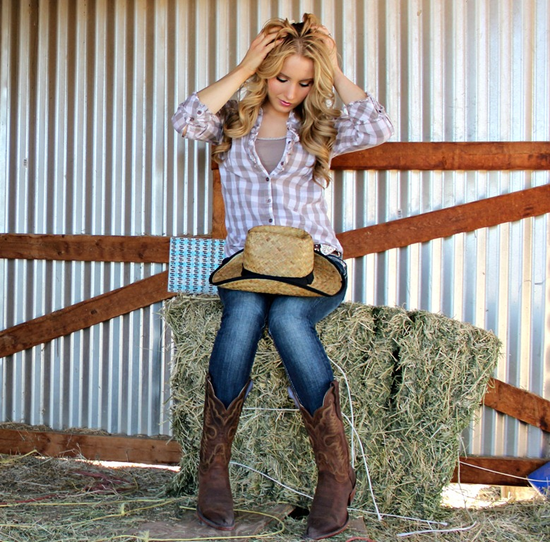 How to Wear Cowboy Boots with Skinny Jeans