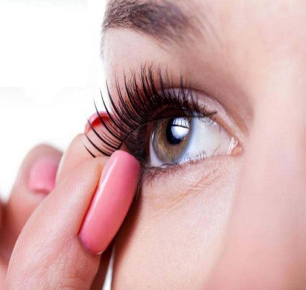 How to Apply Magnetic Eyelashes